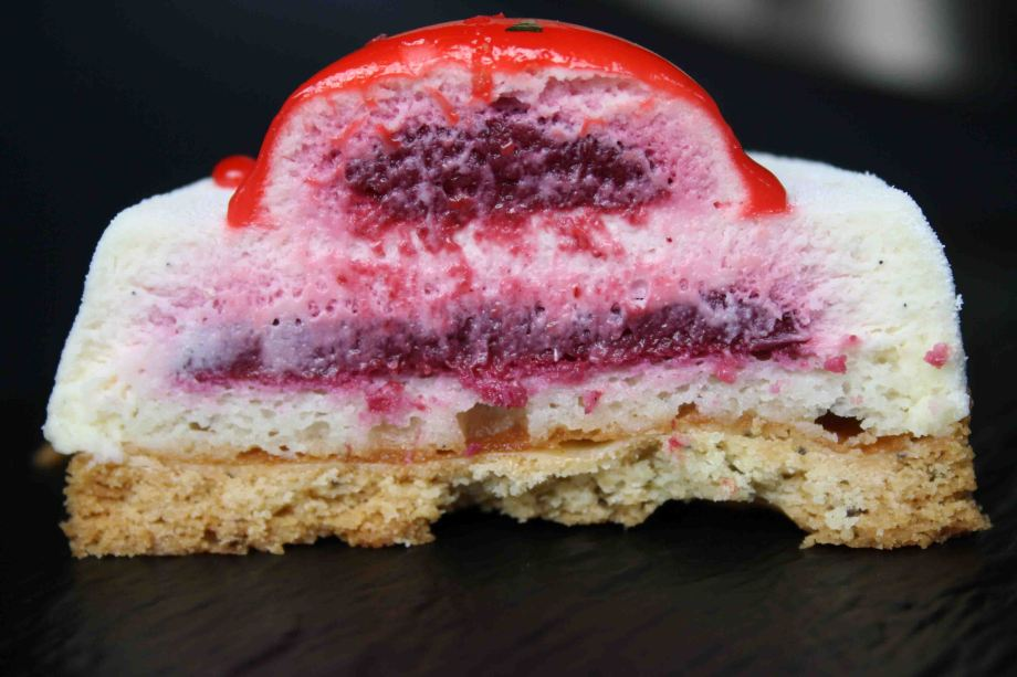 red-white-patisserie-royale-coupe